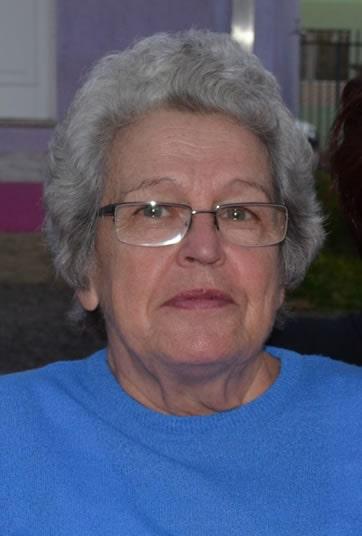 Nome completo: Beatriz Joana Von Hohendorff Winck - Idade: 85 anos - Última vez vista: Santuário de Aparecida/SP. - Características: Cabelos curtos, grisalhos e encaracolados, olhos azuis, pele branca, 1,65m de altura e cicatriz no pescoço (cerca de 10cm, no lado frontal). - Idioma: Português e Alemão - Desaparecida desde: 21/10/2012